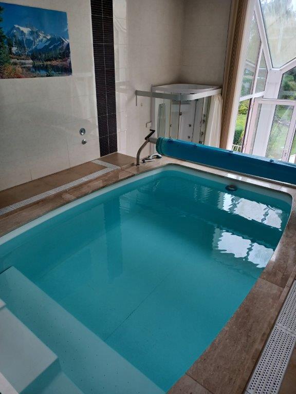 Maison de maître avec piscine à Thon